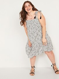 Floral-Print Tie-Strap Plus-Size Sleeveless Swing Dress Old Navy