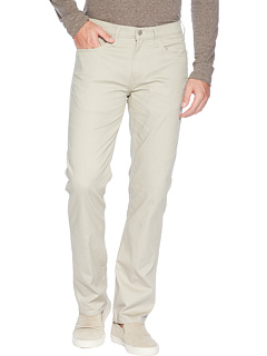 Straight Fit Jean Cut 2.0 All Seasons Tech Pants Dockers