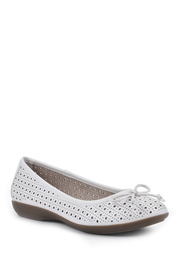 Cheryl Ballet Flat Cliffs by White Mountain