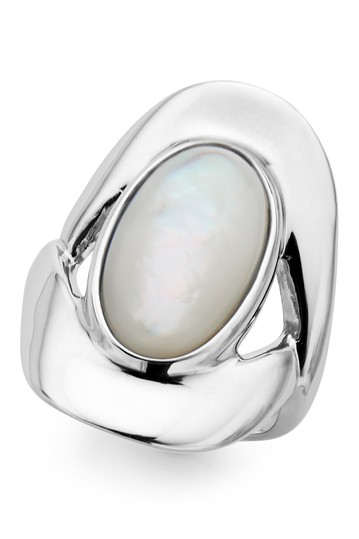 Sterling Silver Bezel Set Mother of Pearl Oval Ring - Size 9 Nambe